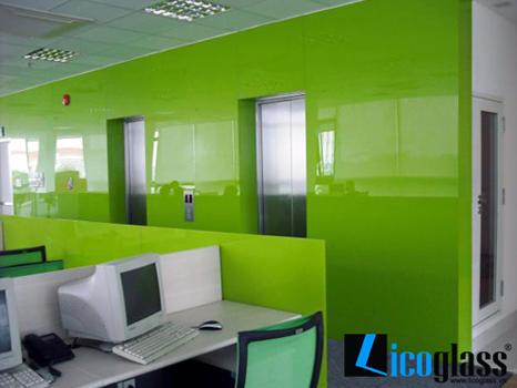 Kính màu cường lực văn phòng