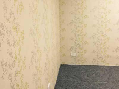 Thi công giấy dán tường tại Sàn Giao Dịch Bất Động Sản VinHomes